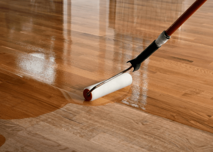 can you roll on polyurethane on hardwood floors