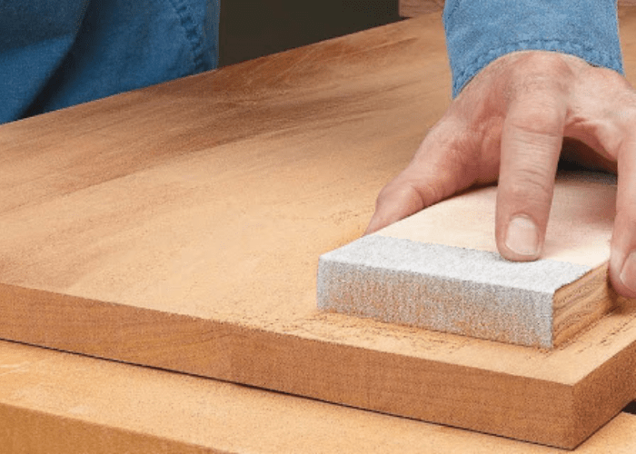 How to Finish a Table Top with Polyurethane image