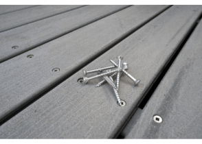 Best Deck Screw for Pressure-Treated Wood Image